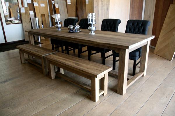 Gerookte eiken tafels