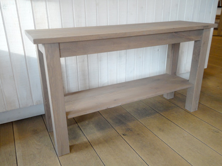 Side Table Eiken.Eiken Sidetable